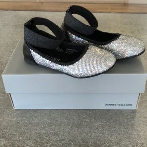 Kenneth Cole toddler size 9